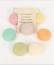 Savonnia, des shampooings solides aux allures de macarons !