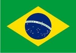 Les habitudes cosmétiques des enfants brésiliens, trop de maquillage, pas assez de produits solaires