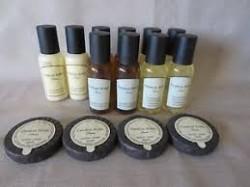 Peut-on confier sans risque sa peau à une gamme de cosmétiques trouvés dans les chambres d'hôtel ?