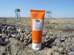 Origins ginzing SPF 40 : un manque de filtres UV, un excès de végétaux !