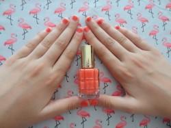 Un vernis à ongles « flamant rose » qui boîte au niveau de sa formule !